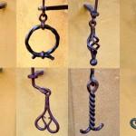 Handgriffe der alten Klingelzüge. Diese sind alle individuell gestaltet, damit man früher, als es nioch keine Laternen gab, auch noch spät abends seine eigene Haustür fand.
