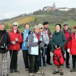 Gruppenfoto mit Schloss Bürg [Foto: W. Speiser]