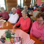 Mittagseinkehr in der Schlossgerghütte [Foto: W. Speiser]