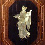 Perlmutt-Intarsien im Eckzimmer