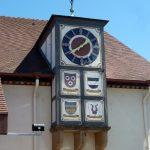 Wappen der Hauptganerben am Uhrtürmchen der Genossenschaftskelter