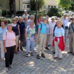 Gruppenbild bei der Gaisburger Kirche [Foto: W. Speiser]